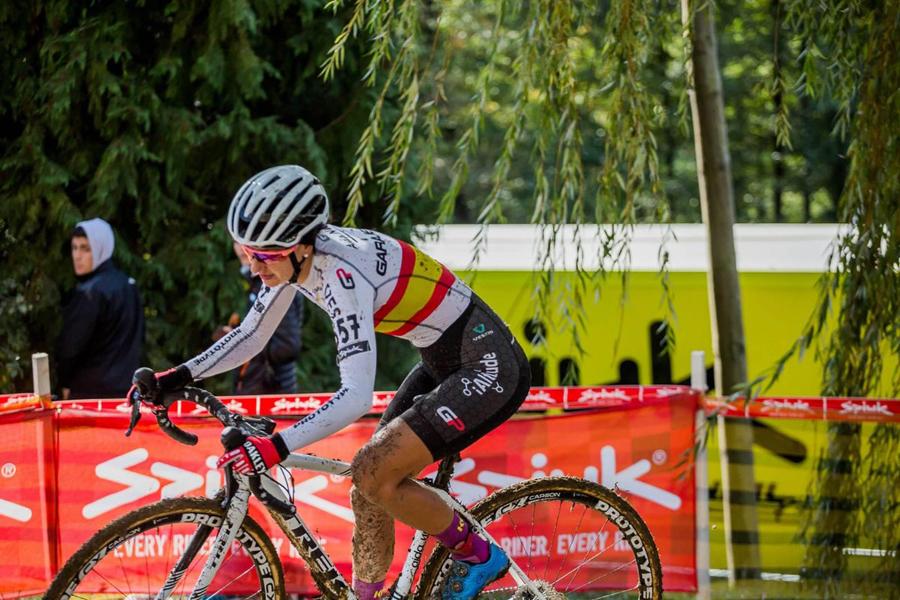 Aída Nuño hace historia en la Copa del Mundo de Ciclocross