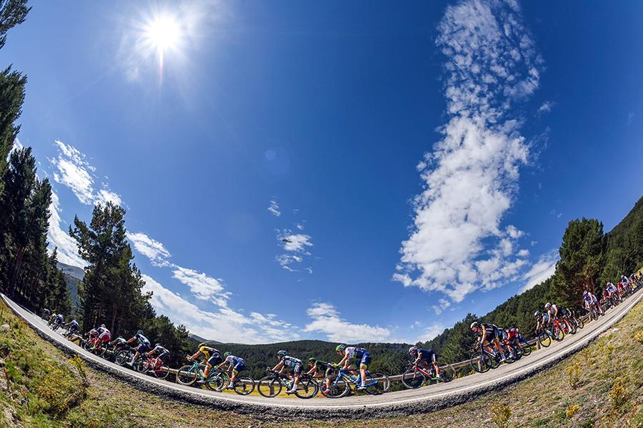 El Observatorio de Javalambre y la Sierra de Guadarrama, en el menú de la Vuelta 2019