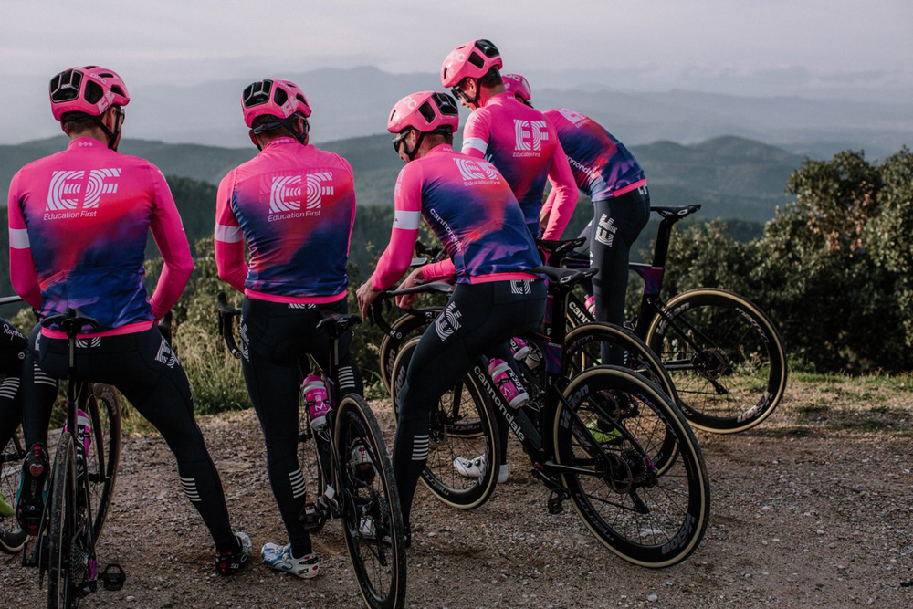 Rapha acaba con el 'misterio': la nueva equipación del EF Education First Pro Cycling