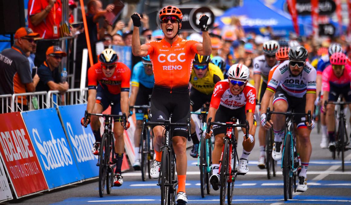 Tour Down Under: Patrick Bevin, etapa y liderato en un final accidentado