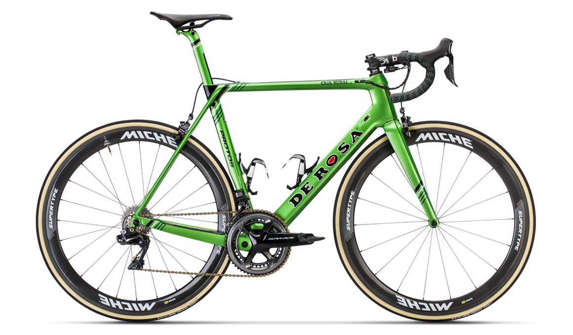 De Rosa presenta las bicicletas del Caja Rural-Seguros RGA 2019
