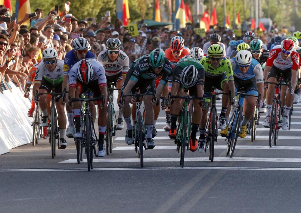 Fernando Gaviria pega primero en la Vuelta a San Juan