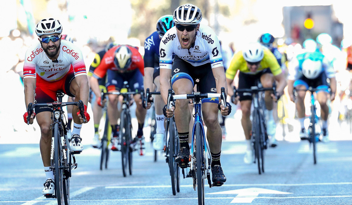 Matteo Trentin gana al sprint en Alicante