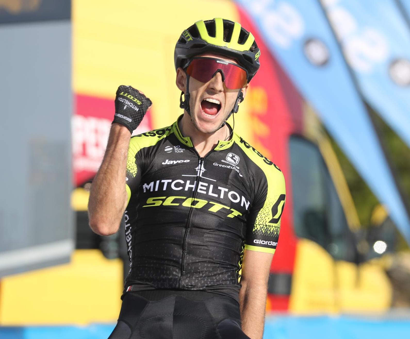 Adam Yates se impone en la ermita de Santa Lucía, de donde Ion Izagirre sale líder de la Vuelta a la Comunitat Valenciana