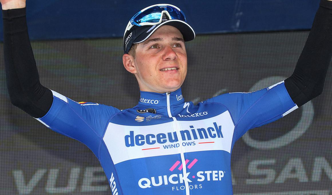 """Lefevere: """"En 39 años en el ciclismo no he visto nada igual a Evenepoel"""""""