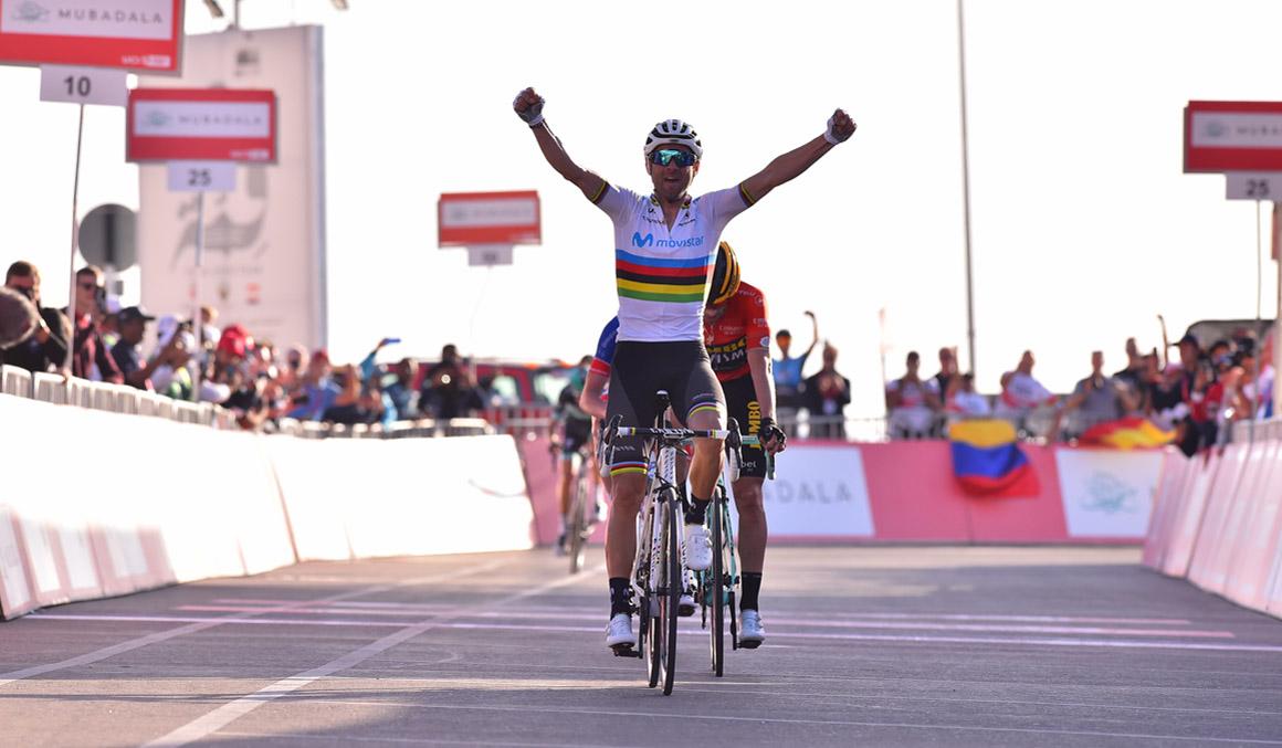 UAE Tour: Valverde ya gana vestido de arcoíris