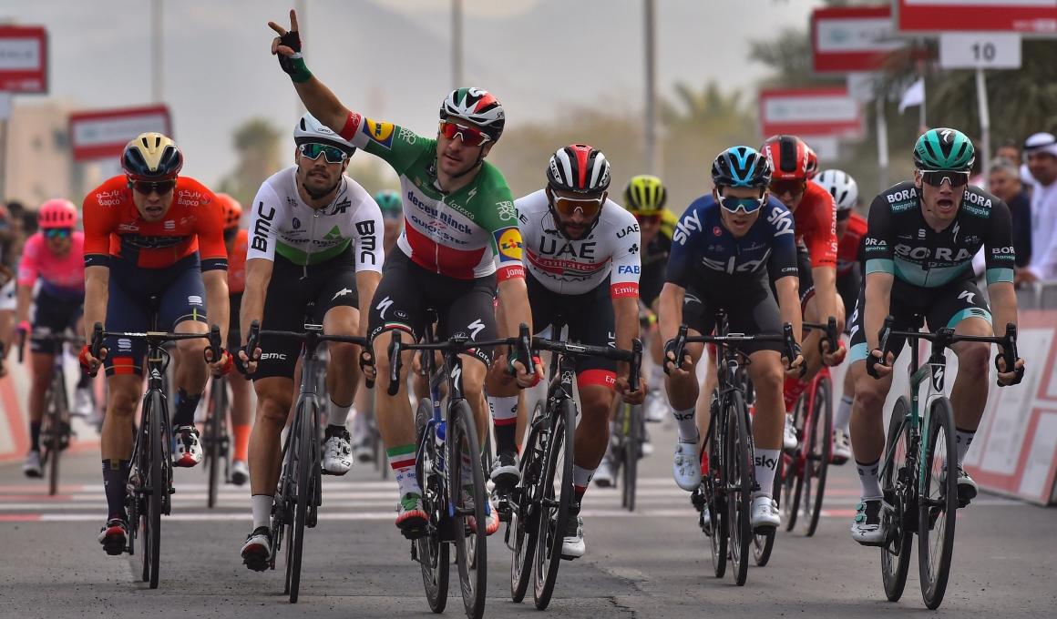 UAE Tour: Viviani remonta para ganar un bonito duelo de sprinters