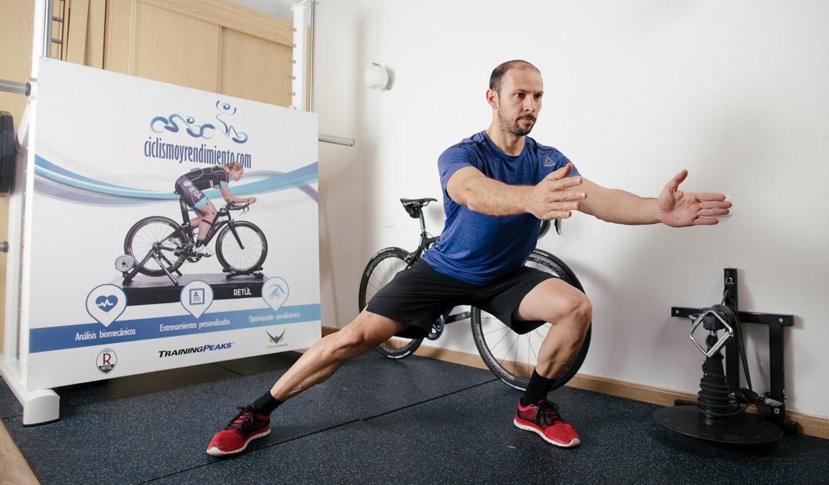¿Quién necesita gimnasio? 12 ejercicios de fuerza sin material