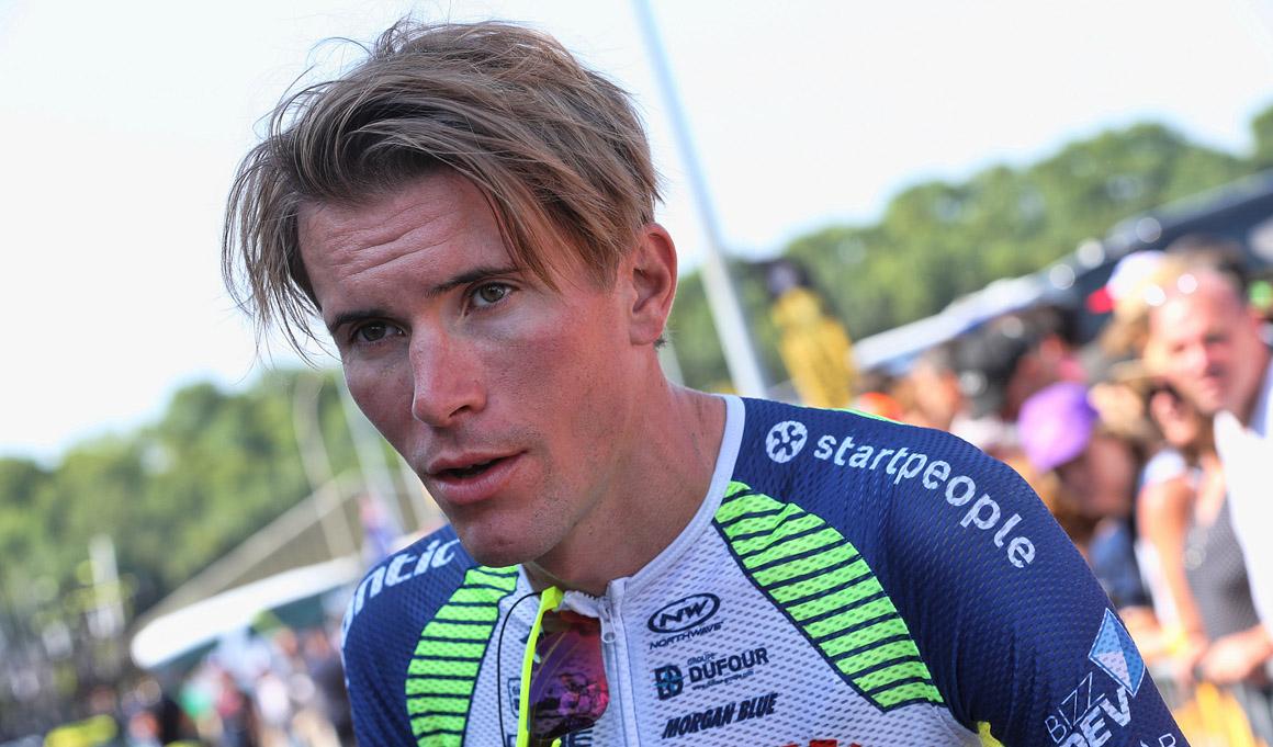 Yoann Offredo, hospitalizado tras una dura caída en el GP Denanin, se encuentra estable