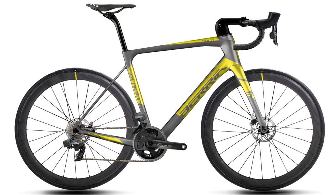 La bicicletas Berria con el nuevo SRAM Force eTAP AXS
