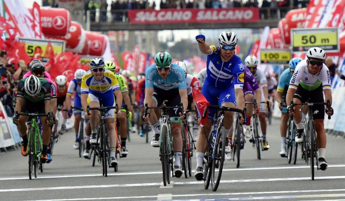Turquía: Jakobsen rompe la racha de Bennet y gana la 3ª etapa