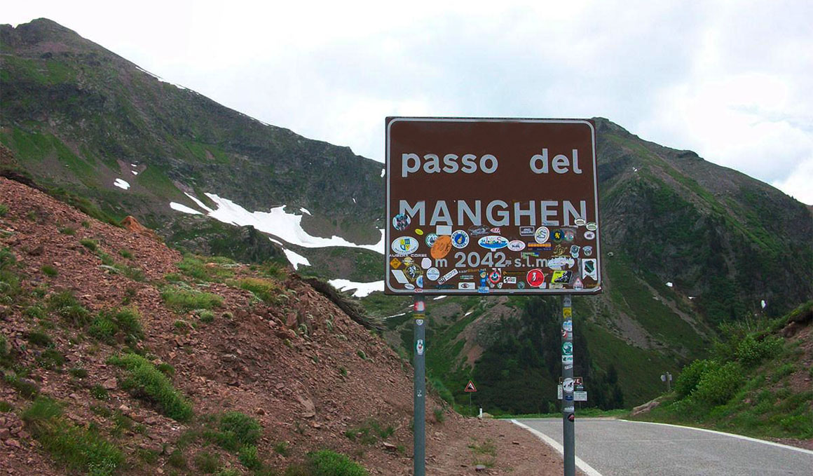 Passo del Manghen