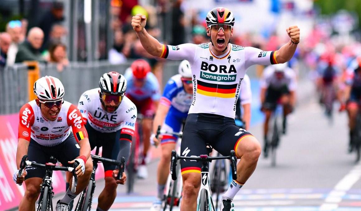 Giro: Pascal Ackermann se impone en el primer duelo de velocistas