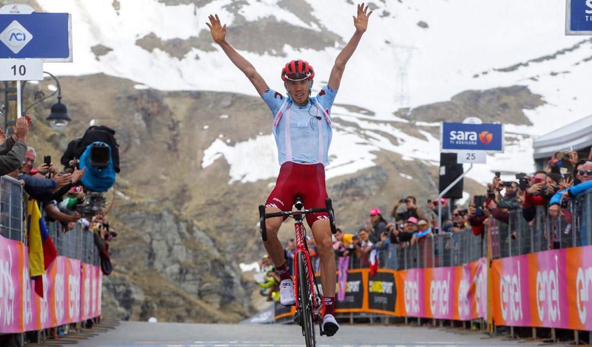 Un enorme Mikel Landa revoluciona el Giro