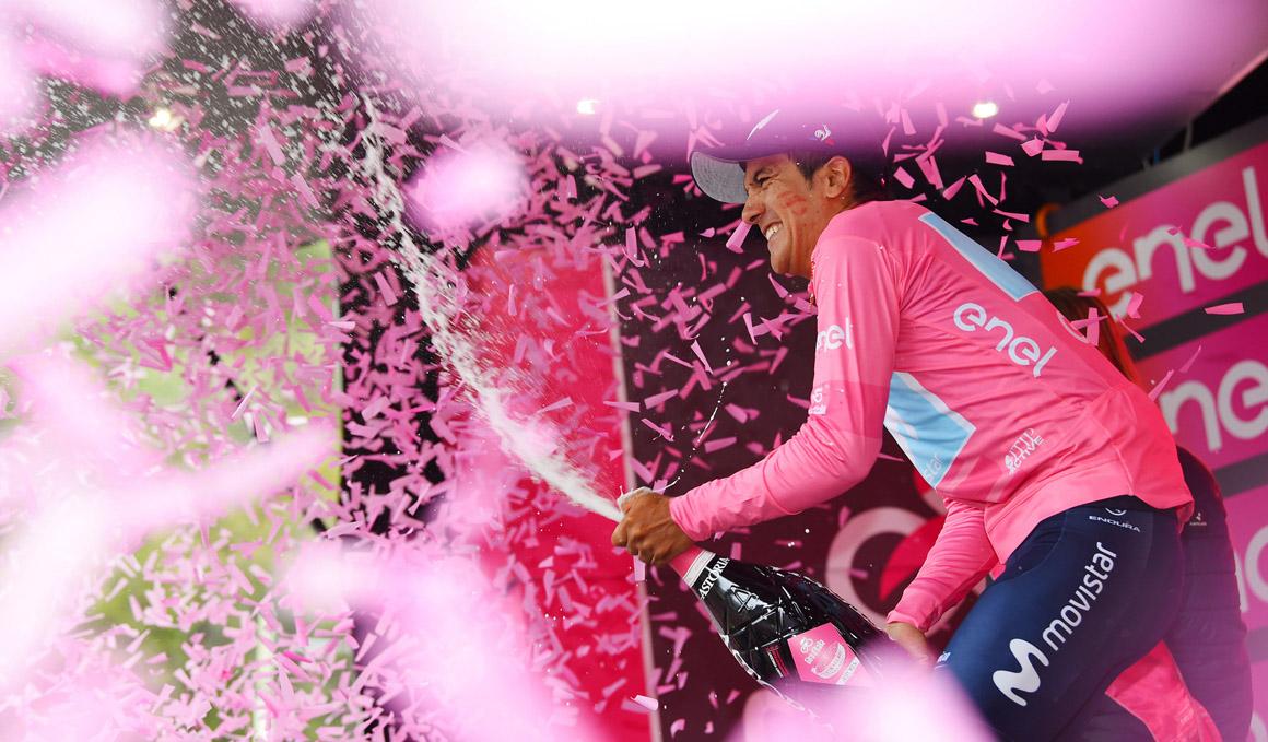 Carapaz suma su 2ª etapa y se hace con la maglia rosa