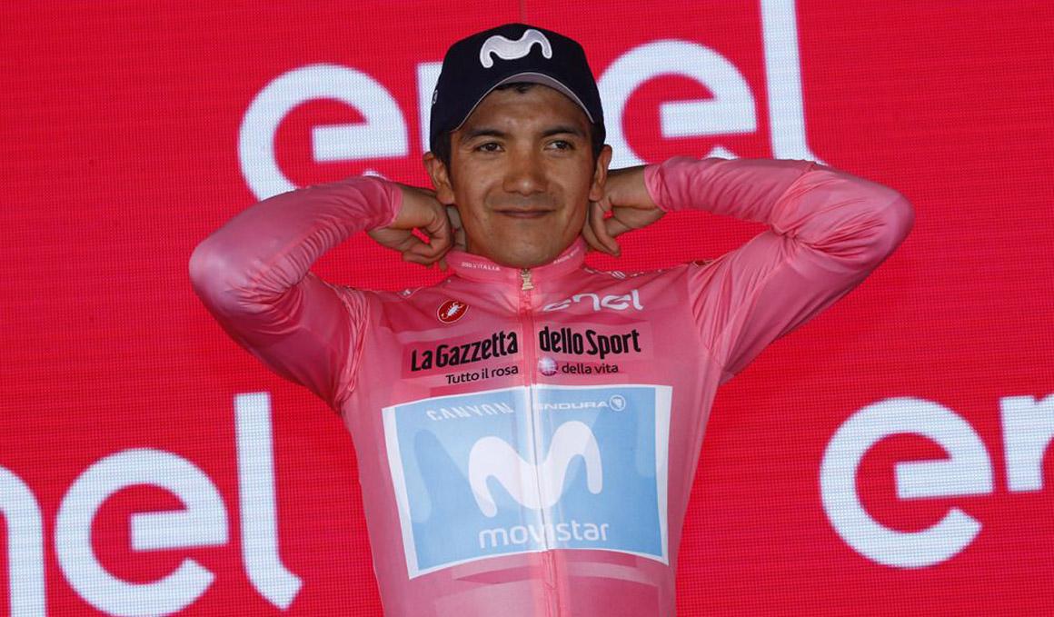"""Carapaz: """"Mañana es el gran día. Estoy listo para defender la maglia rosa con el equipo"""""""