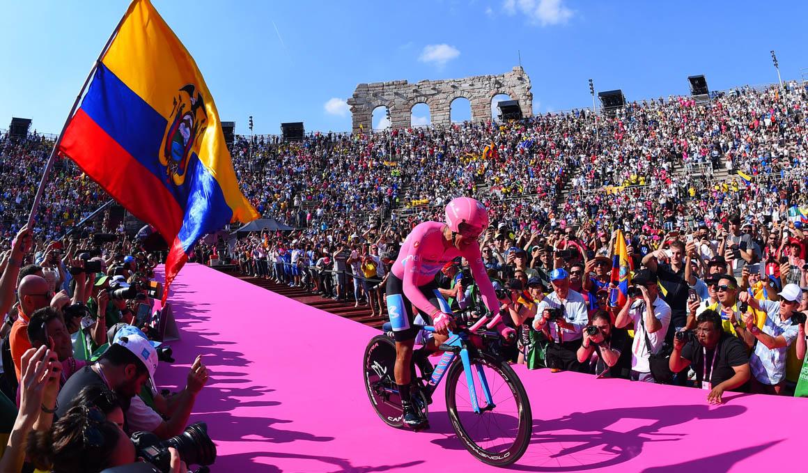 Richard Carapaz hace historia y se corona en el Giro de Italia