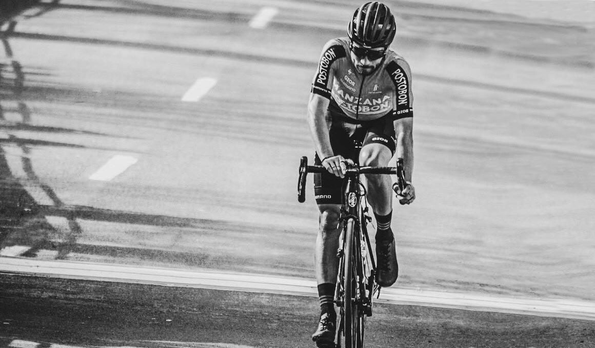 Julián Quintero, el ciclista en blanco y negro