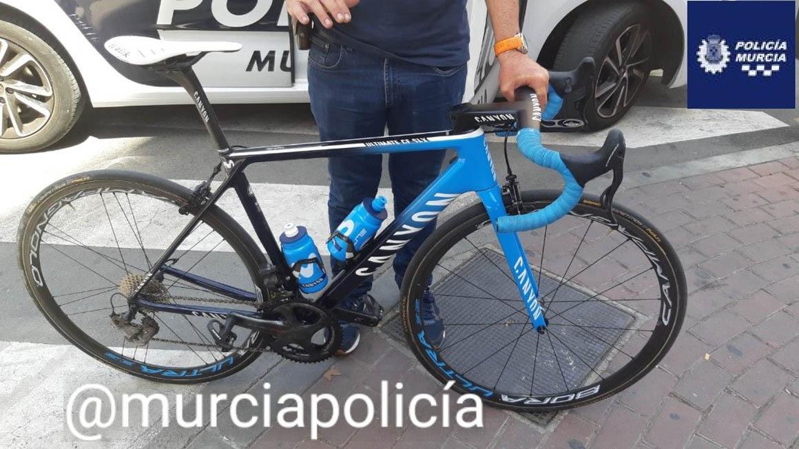 Recuperada la bicicleta robada al Movistar Team