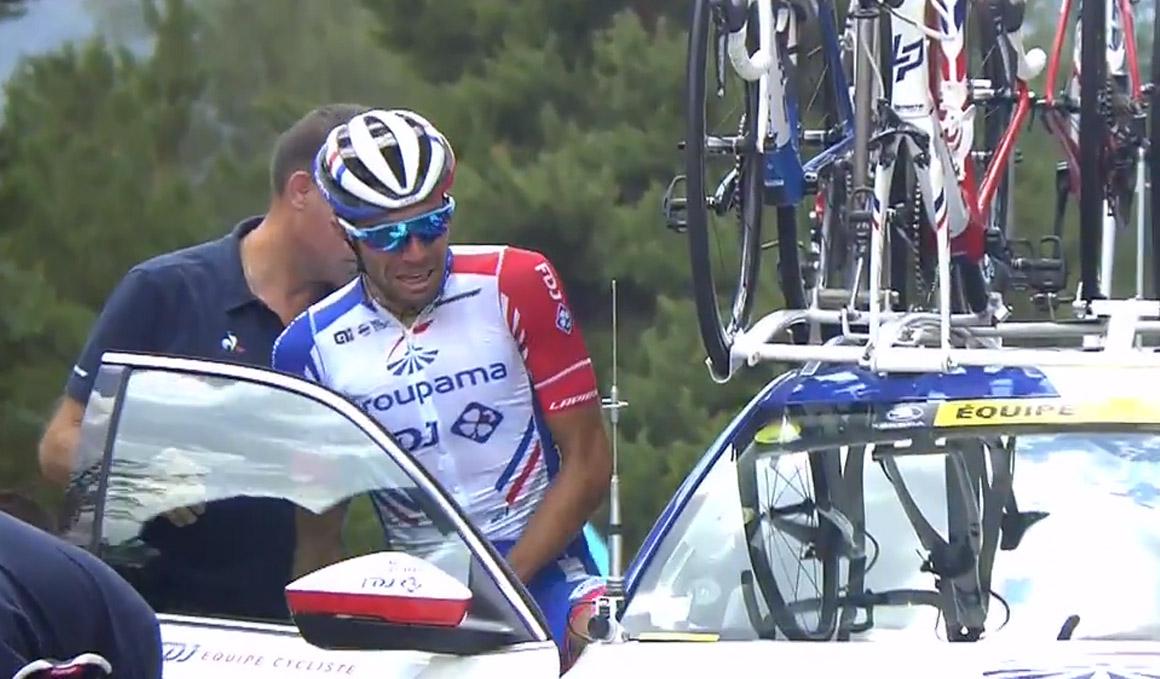 Thibaut Pinot se retira del Tour entre lágrimas