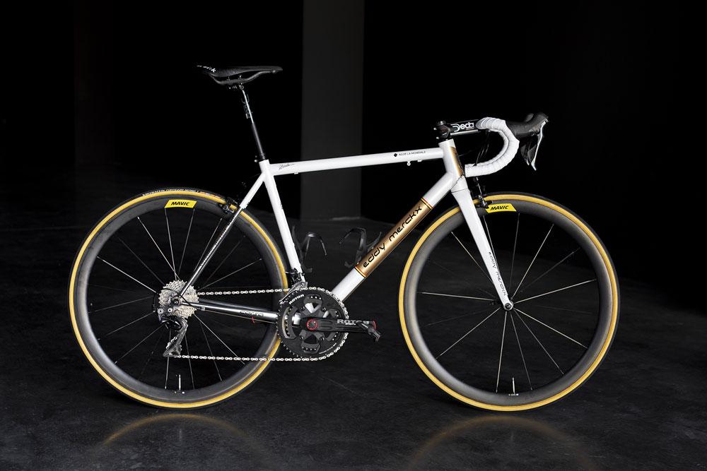 Oliver Naesen utilizará una bicicleta de acero en los Campos Elíseos