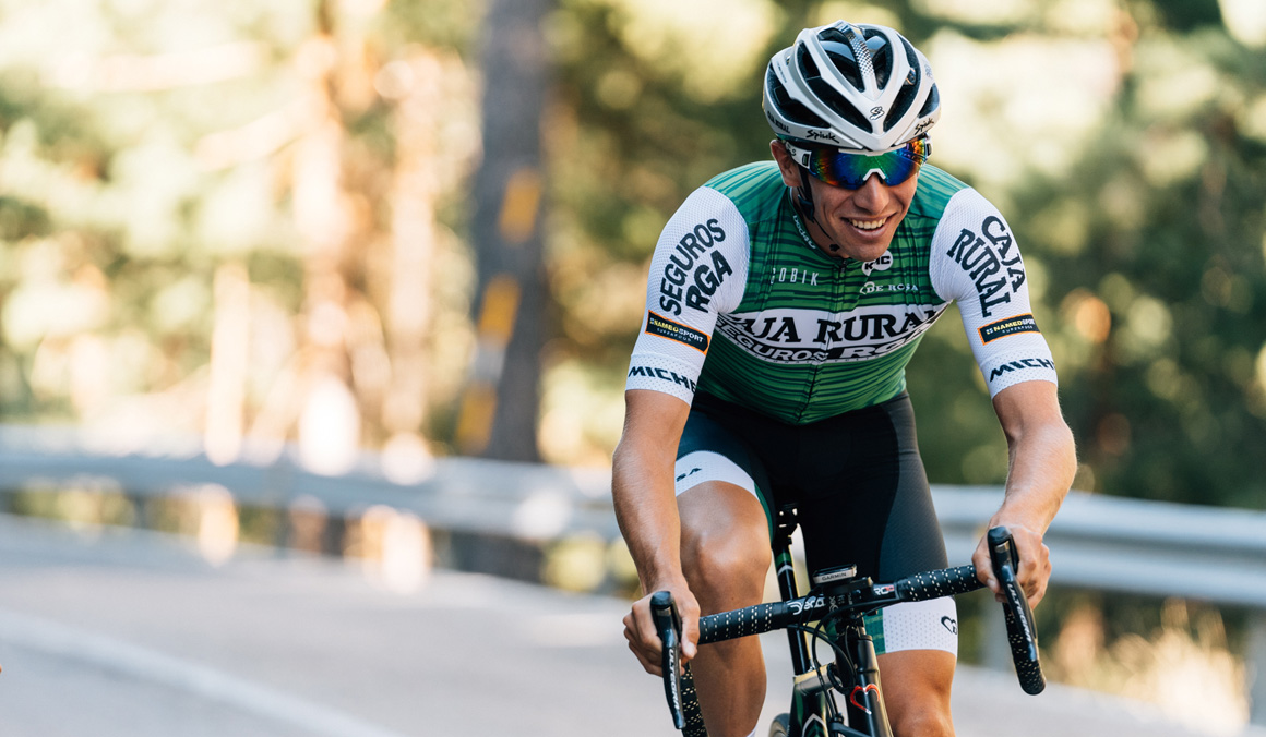 Caja Rural-Seguros RGA conmemora su década profesional con un nuevo maillot para la Vuelta