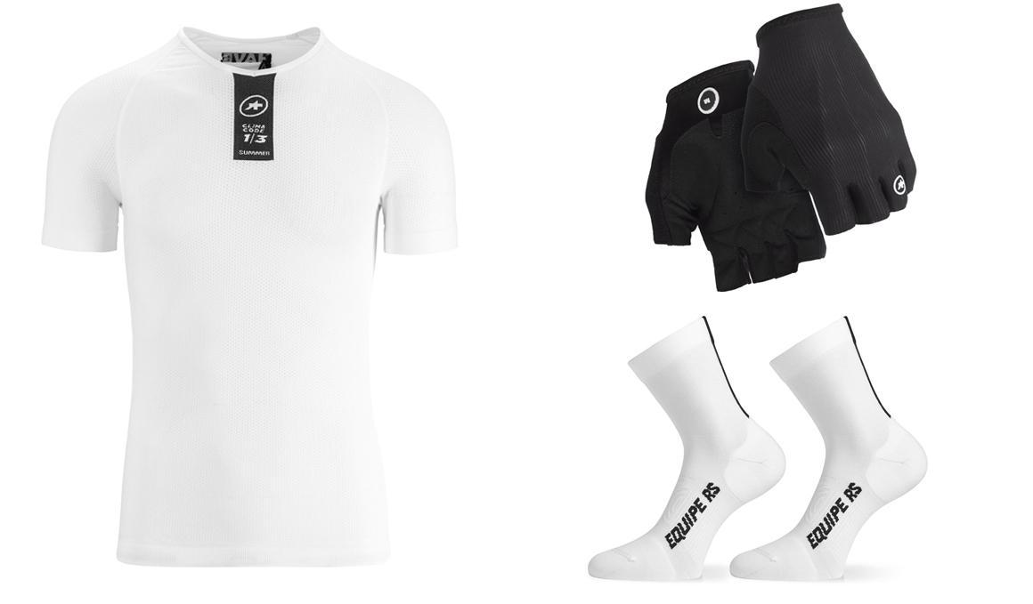 Assos te equipa de pies a cabeza con sus guantes, calcetines y camisetas interiores