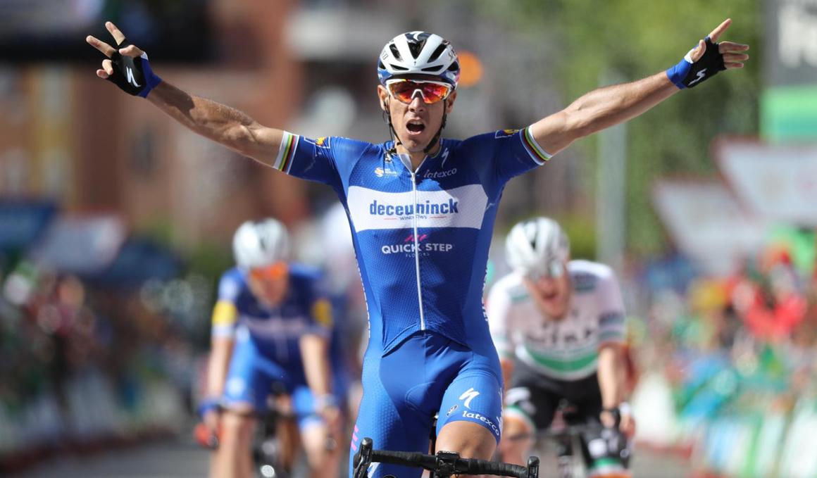 Nairo Quintana asalta el podio en un día de furia en la Vuelta