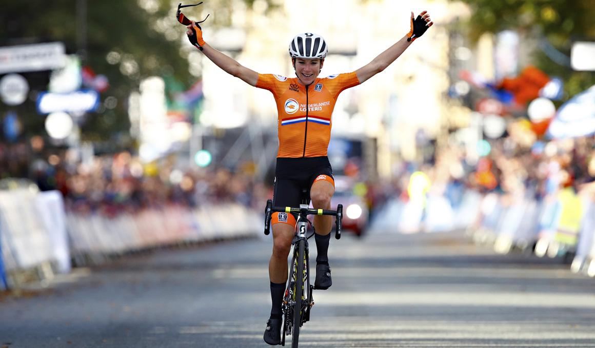 Annemiek van Vleuten, campeona del mundo tras una escapada histórica