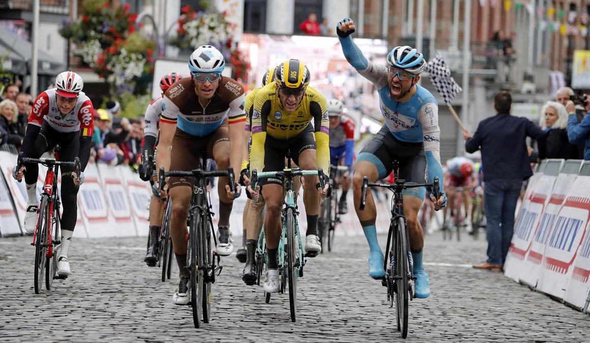 Van Asbroek, victoria de foto finish en la Binche-Chimay-Binche