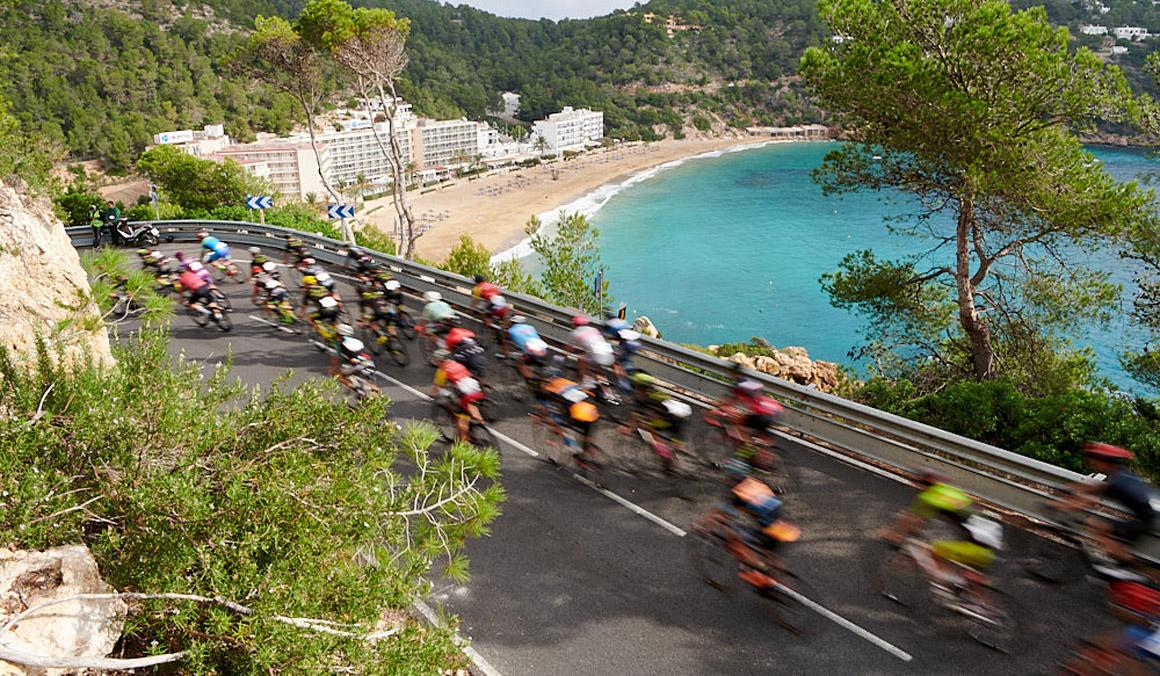 Miquel Carrió y Sandra Heredero se imponen en la Vuelta Cicloturista a Ibiza