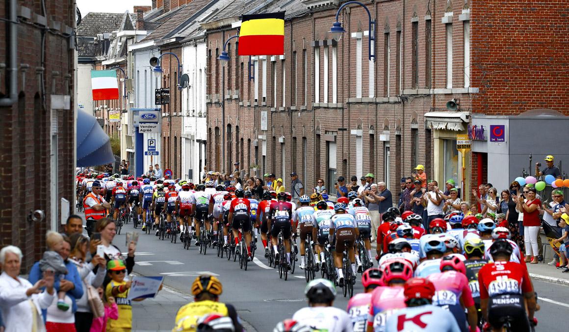 La UCI anuncia los 19 equipos que cumplen los requisitos para tener licencia World Tour