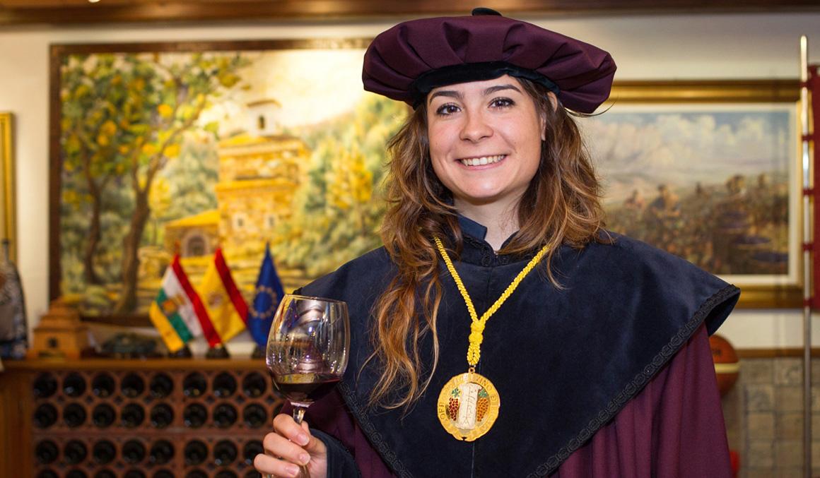 """Sheyla Gutiérrez, nueva cofrade del vino de Rioja, quiere """"brindar en Tokio"""""""