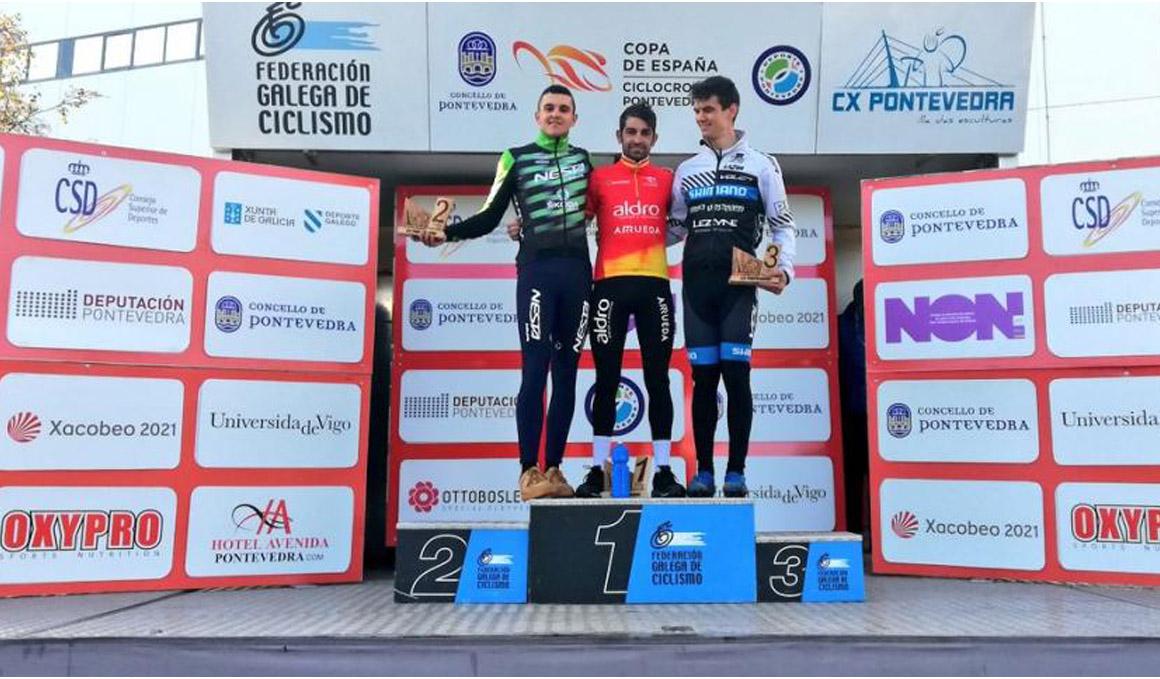 Ismael Esteban vence en Pontevedra y asegura la Copa de España de Ciclocross