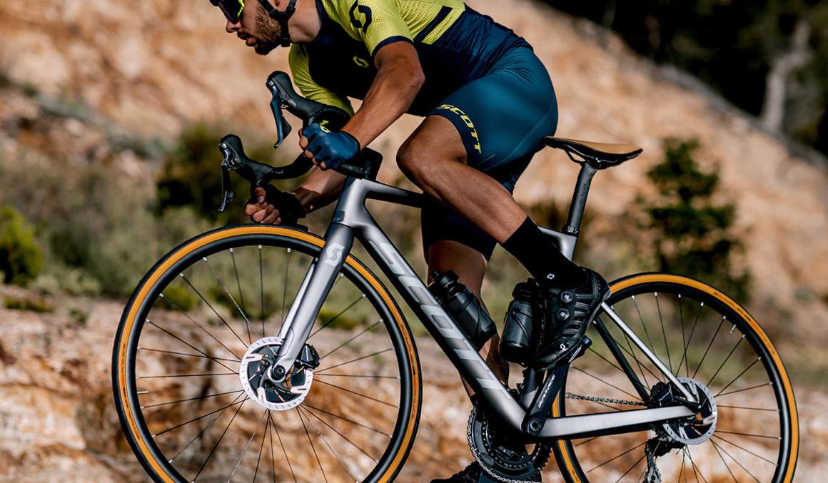 Gana fuerza para volar en la bicicleta