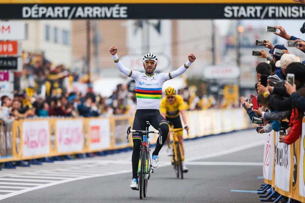 Valverde ya gana con el arcoíris